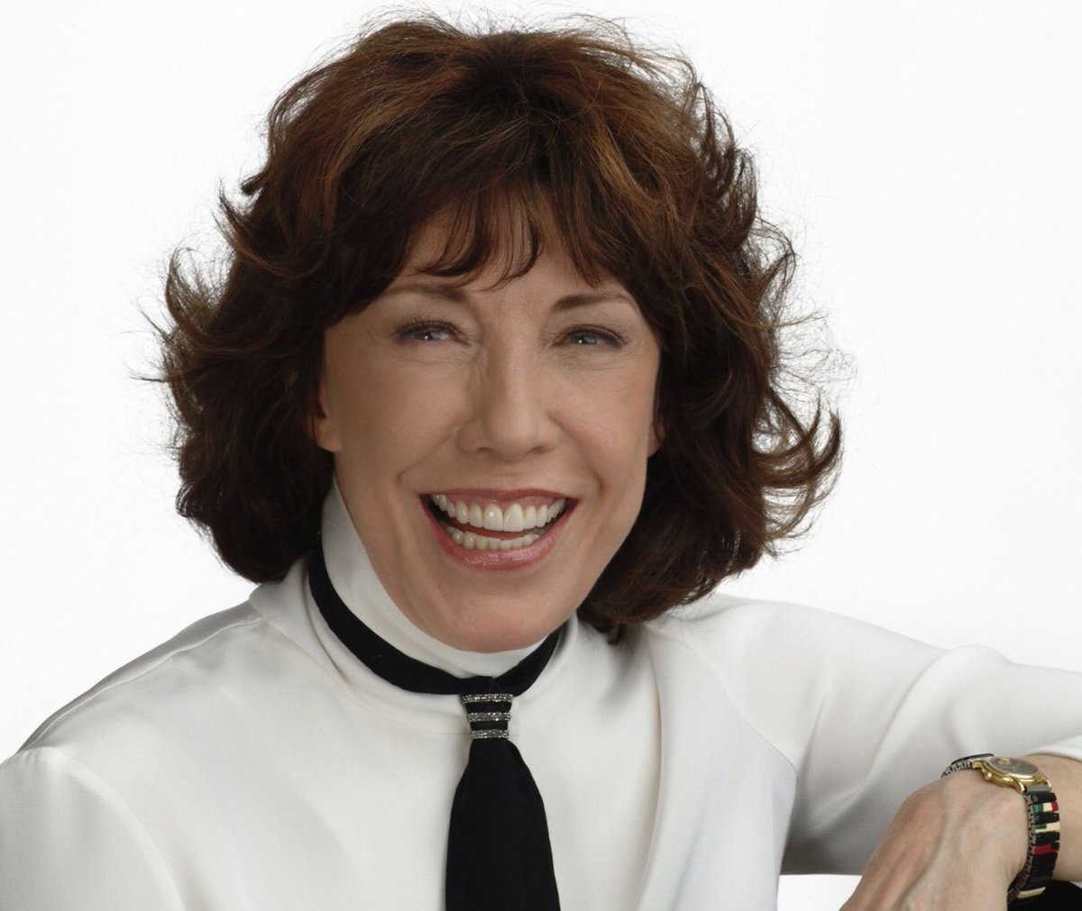 5 Days Left For a chance to win a meet & greet with Lily Tomlin on August 8th in Jamestown! All proceeds will go to supporting the animals in need! Here's the link:  https://www.charitybuzz.com/catalog_items/meet-lily-tomlin-with-2-tickets-to-an-evening-of-1564402… #larescue #lilytomlin #supportnonprofits #support #auction #gooddeed #foracausepic.twitter.com/48ziXVwwUn