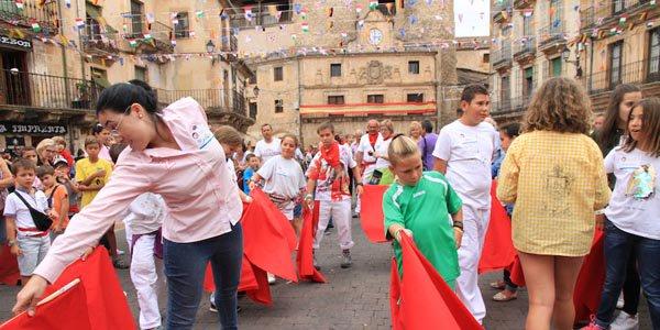 Fin de semana de homenaje a Víctor Barrio y a El Diablillo en Sepúlveda http://www.elpregonerodesepulveda.es/index.php/92-noticias/6808-dia-taurino-en-sepulveda-en-homenaje-a-victor-barrio…  #MemorialVB #EternoVíctorBarrio #ElDiablillo #Sepúlvedapic.twitter.com/khJHES8Ir2