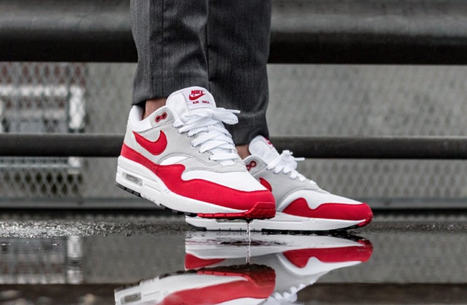 fd2da58d How is this legend of shoe still in stock!  https://thesolesupplier.co.uk/release-dates/nike/air-max-1/nike-air-max-1-og-red-908375-103/  …pic.twitter.com/ ...