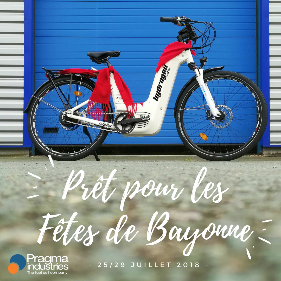 Comme il se doit, ALPHA s'est paré de la tenue du parfait #festayre. Bonnes @Fetes_Bayonne 2018 !😀 #fetes #bayonne #paysbasque #veloHydrogene #hydrogen #VAE #H2now #ecomobilite #hydrogen #fuelCell #croissanceVerte #TransitionEcologique #H2bike #cleantech #cleanenergy #Fahrrad