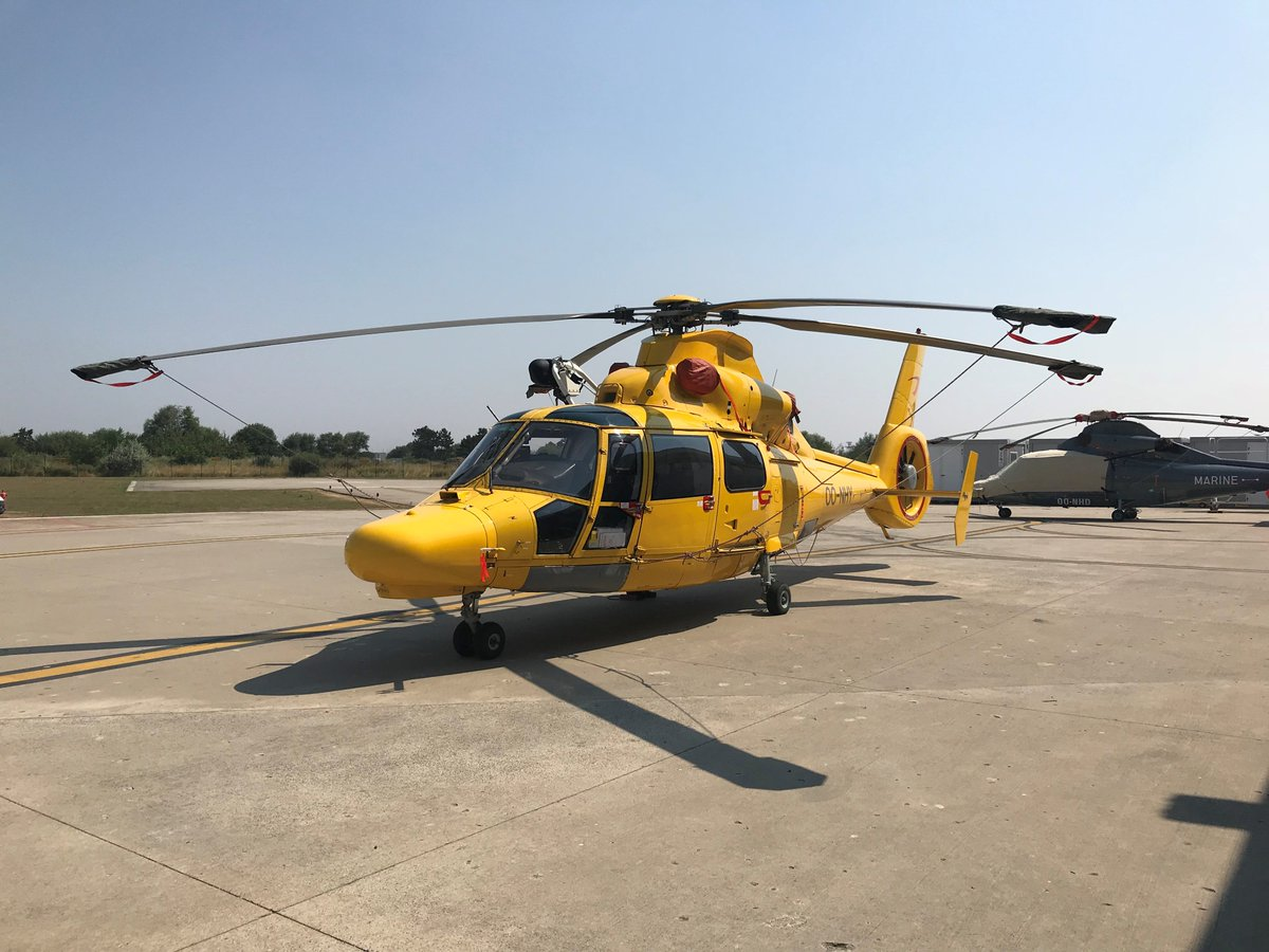 A glorious day and a glorious pic of @NhvHelicopters in Ostend this week where our #ClientServices team is onsite with our customer.