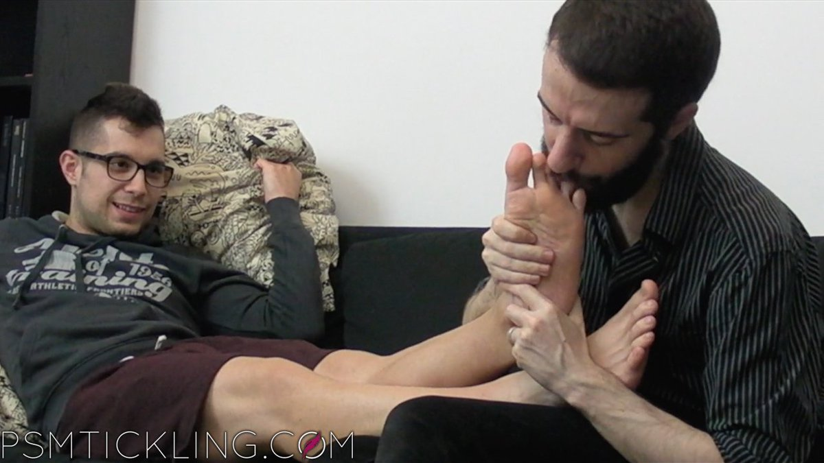 test Twitter Media - Attention, #maletickling and #malefeet lovers: in this video, Matteo tickles and worships super cute twink Jaume's #boyfeet, making him swoon. Trailer and photos here: https://t.co/HAfGNWSexp . #ticklefetish #tickletorture #tiedandtickled #ticklishguys #gayfeet https://t.co/7aMjeXyWnq