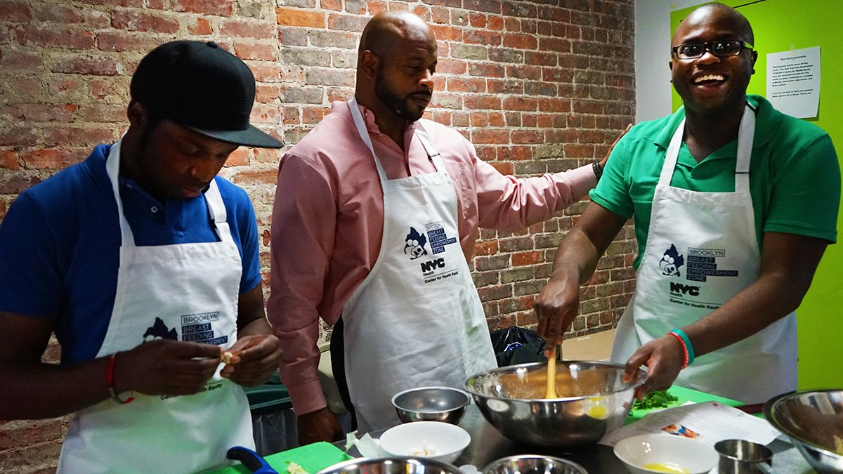 Reminder, Brooklyn dads! Join us for our free Brooklyn Daddy Iron Chef class this Saturday (7/28) in Brownsville. Learn how to become a master chef and some parenting tips. Register: https://t.co/HUE9Bo10AL