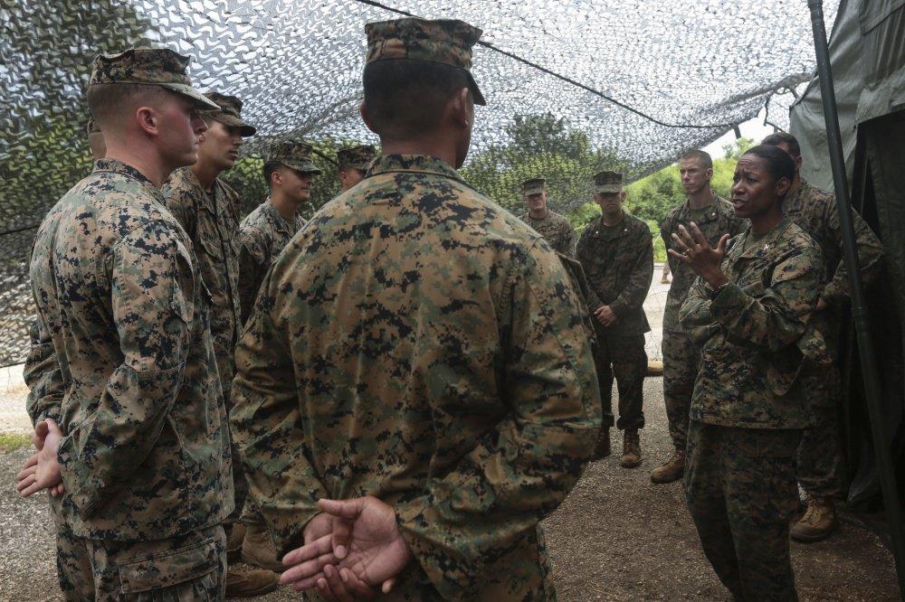 Marines get historic new CIO, Lorna Mahlock hubs.ly/H0d8yk_0
