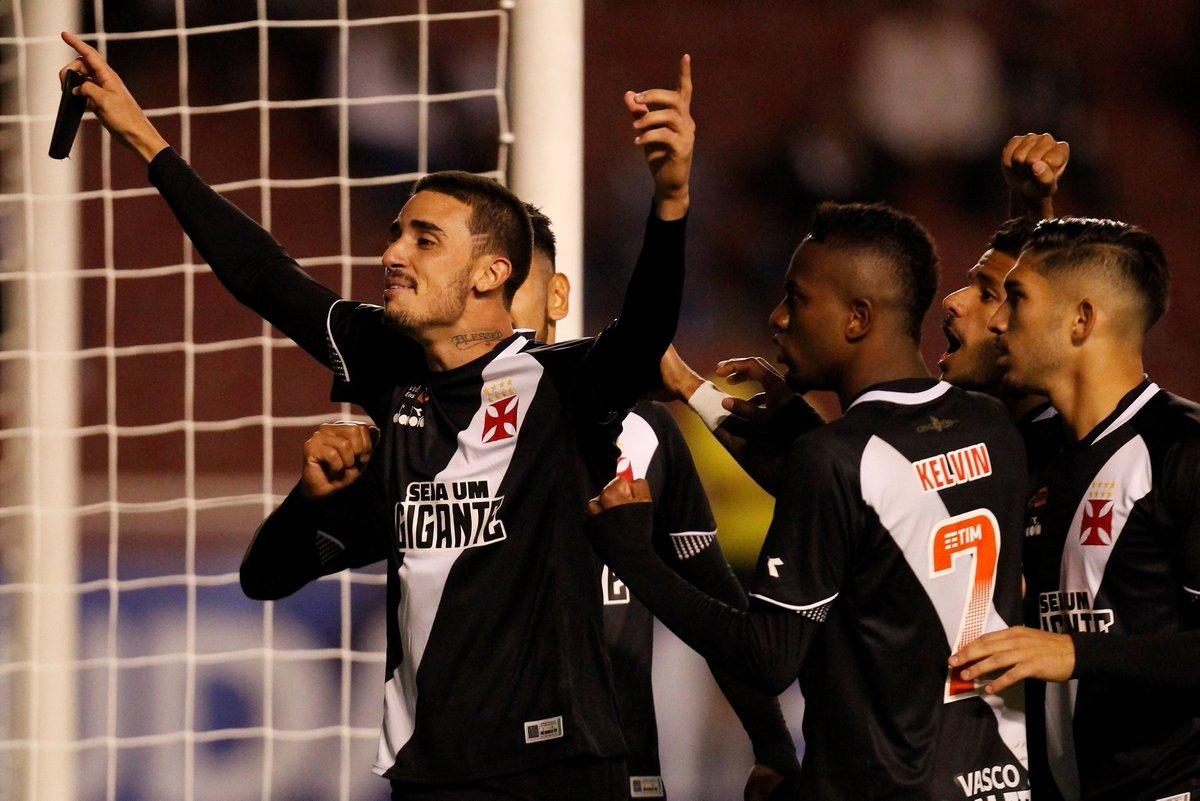 O Vasco sofreu no Equador e perdeu para a LDU por 3 a 1 na Copa 31b75defe2b15