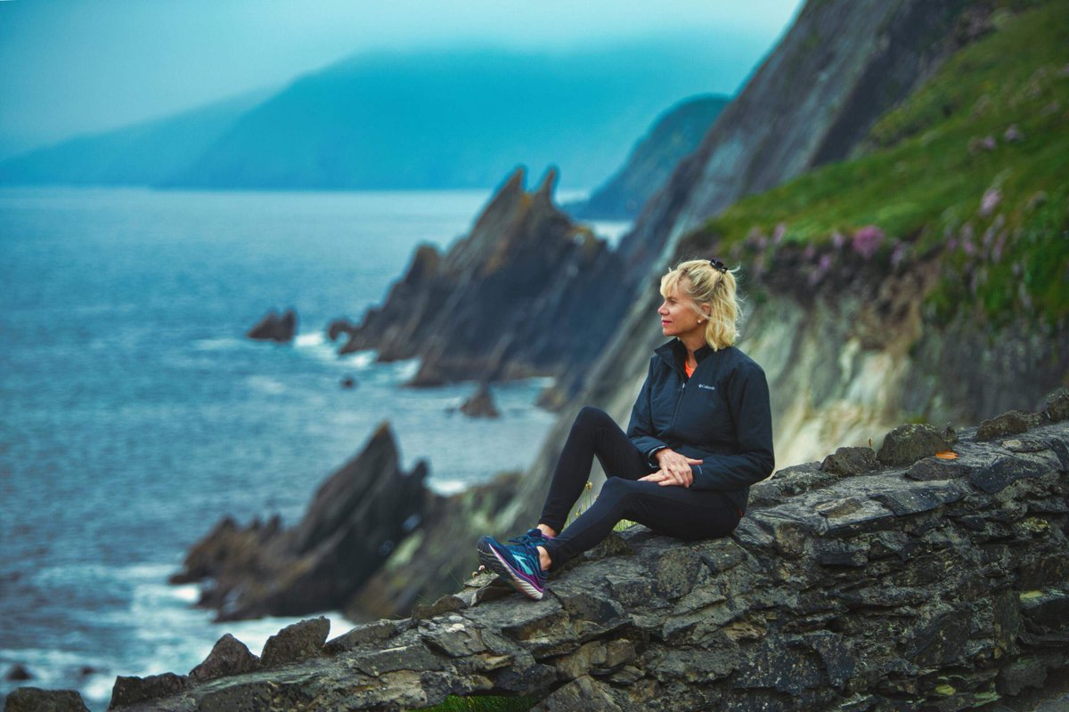 Lost in the beautiful seascapes of the Dingle Peninsula of #Ireland. ☘️