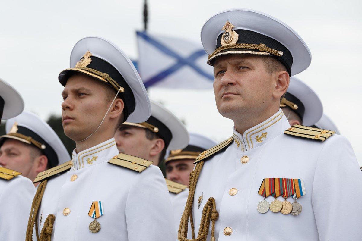 фото офицеров военно морского флота было много
