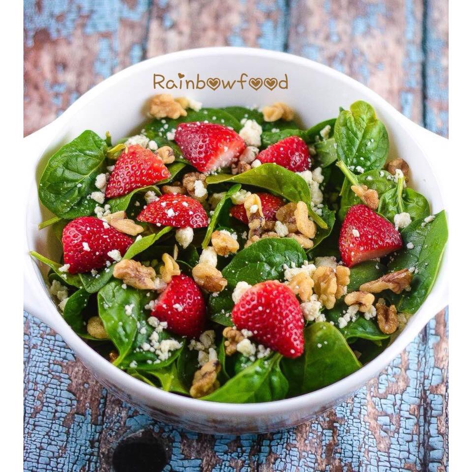 lettuce salad with strawberries - 736×816