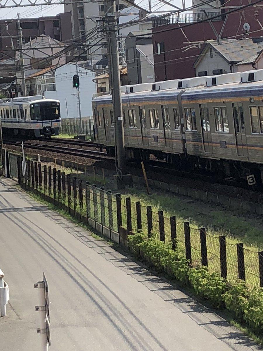 沢ノ町駅で電車とお客様が接触する人身事故の現場画像