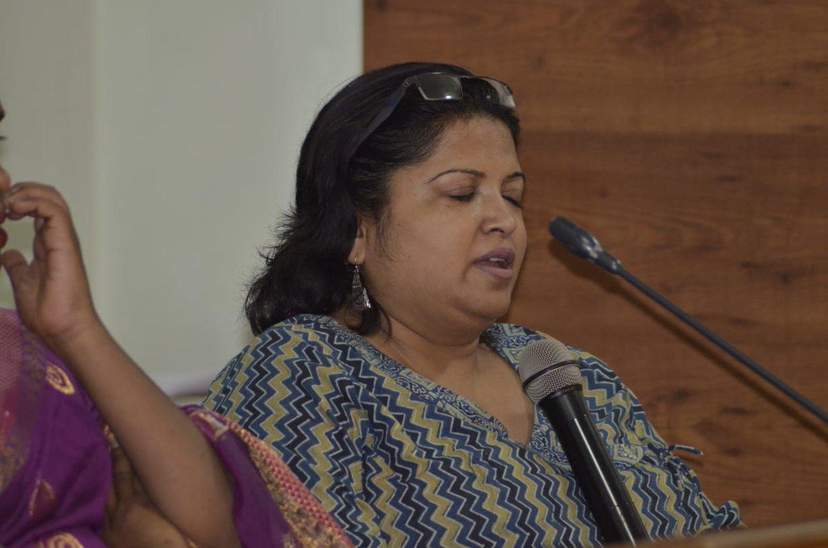 कार्यशाला में सुगम्य भारत अभियान के लिए भारत सरकार की सलाहकार सुश्री अंजलि अग्रवाल (@access_anjlee) ने कहा कि कोई व्यक्ति डिसेबल नही होता बल्कि वातावरण उसे डिसेबल बनाता है। #Sugamyabharat