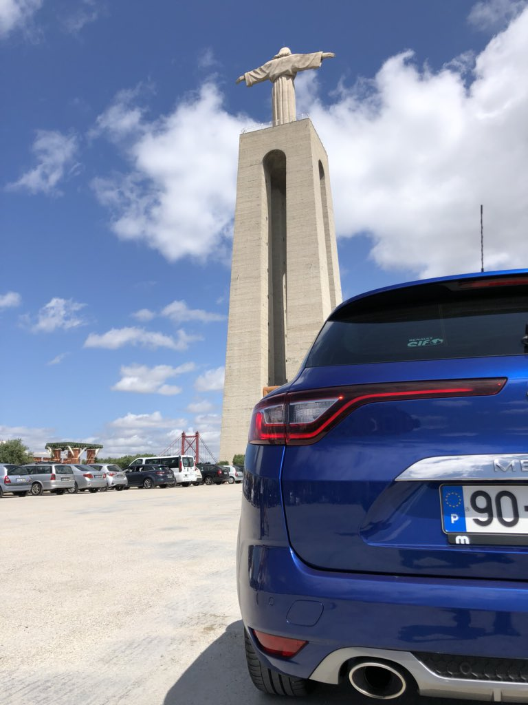 Onde quer que estejas, que te sintas bem 🙏🏼 #blue #Renault #Megane #GTline #algures #uberdriver #privatedriver #SolidRecord