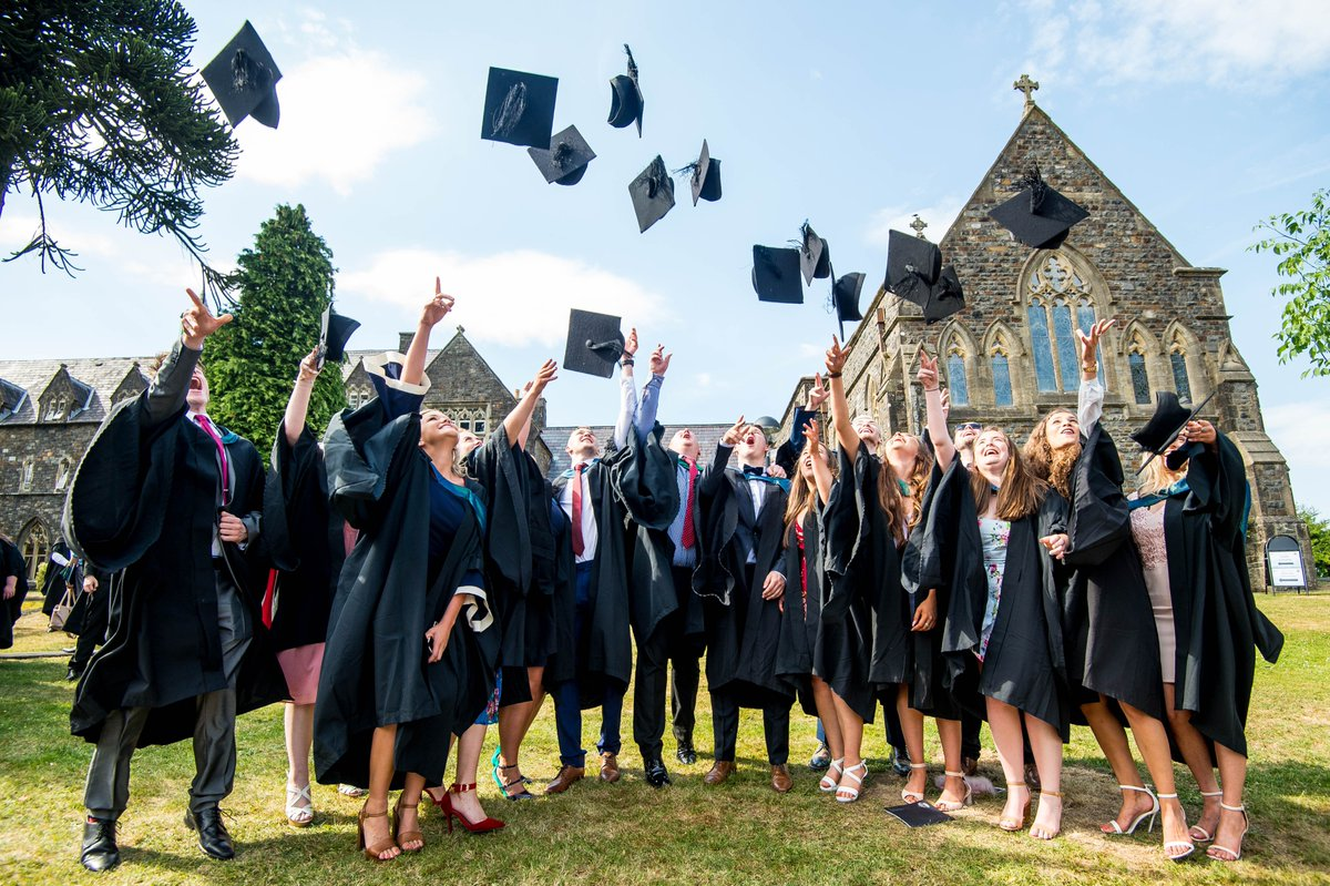 Throw those hats! Student satisfaction @uwtsd has increased again in 2018! #NSS2018 Student satisfaction in academic support up - now 6% above the sector average! And more. . . #UWTSD #GoodTimes #DyddieDa <br>http://pic.twitter.com/AU0EgkH0d4