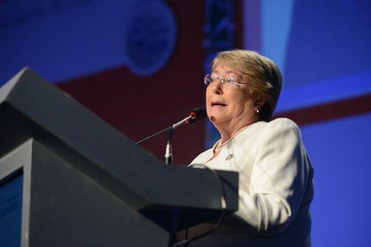 #Abrascão2018: a médica e ex-presidente do Chile Michelle Bachelet defende #Saúde como direito, em conferência de abertura (26/7) do 12º Congresso Brasileiro de Saúde Coletiva na @fiocruz https://t.co/AK0ajWdMCT