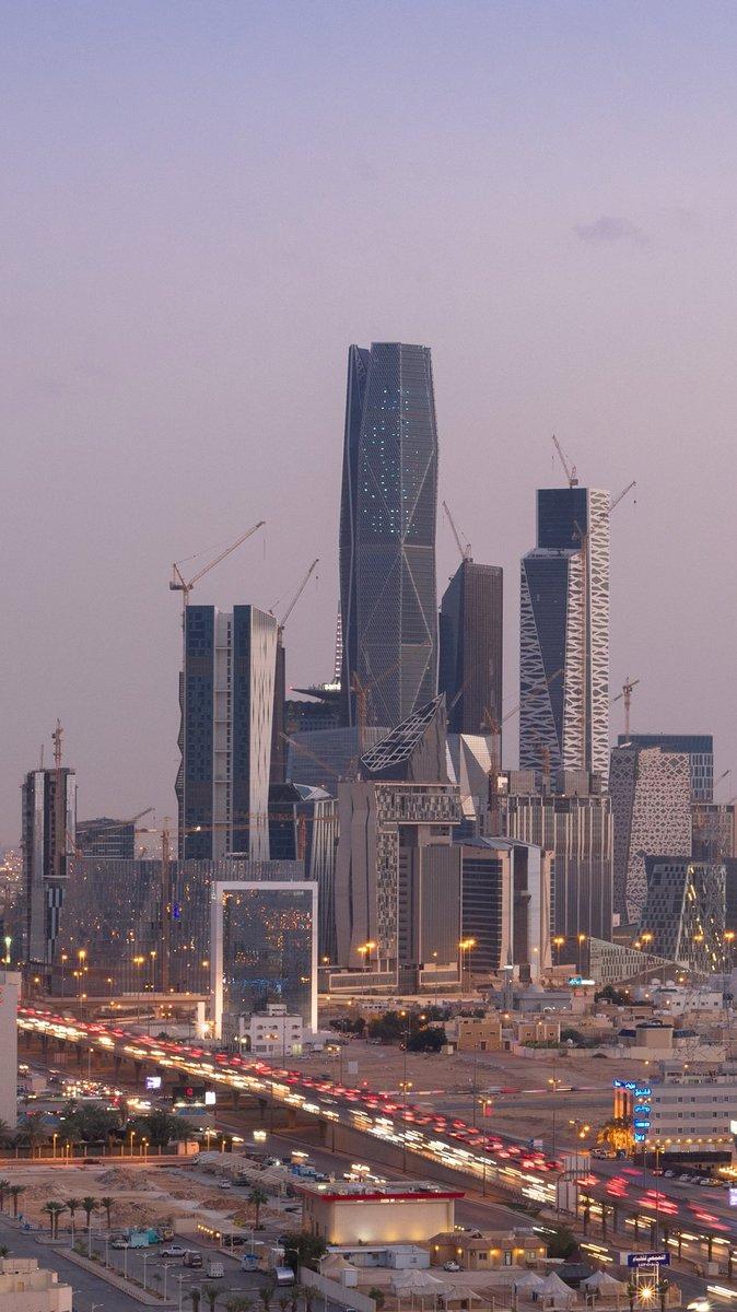 Bader Alotaby On Twitter على فكرة برج هيئة سوق المال في مركز الملك عبدالله يعتبر اطول برج في مدينة الرياض وثاني اطول مبنى بالسعودية خلف برج الساعة Https T Co Uvmham201y