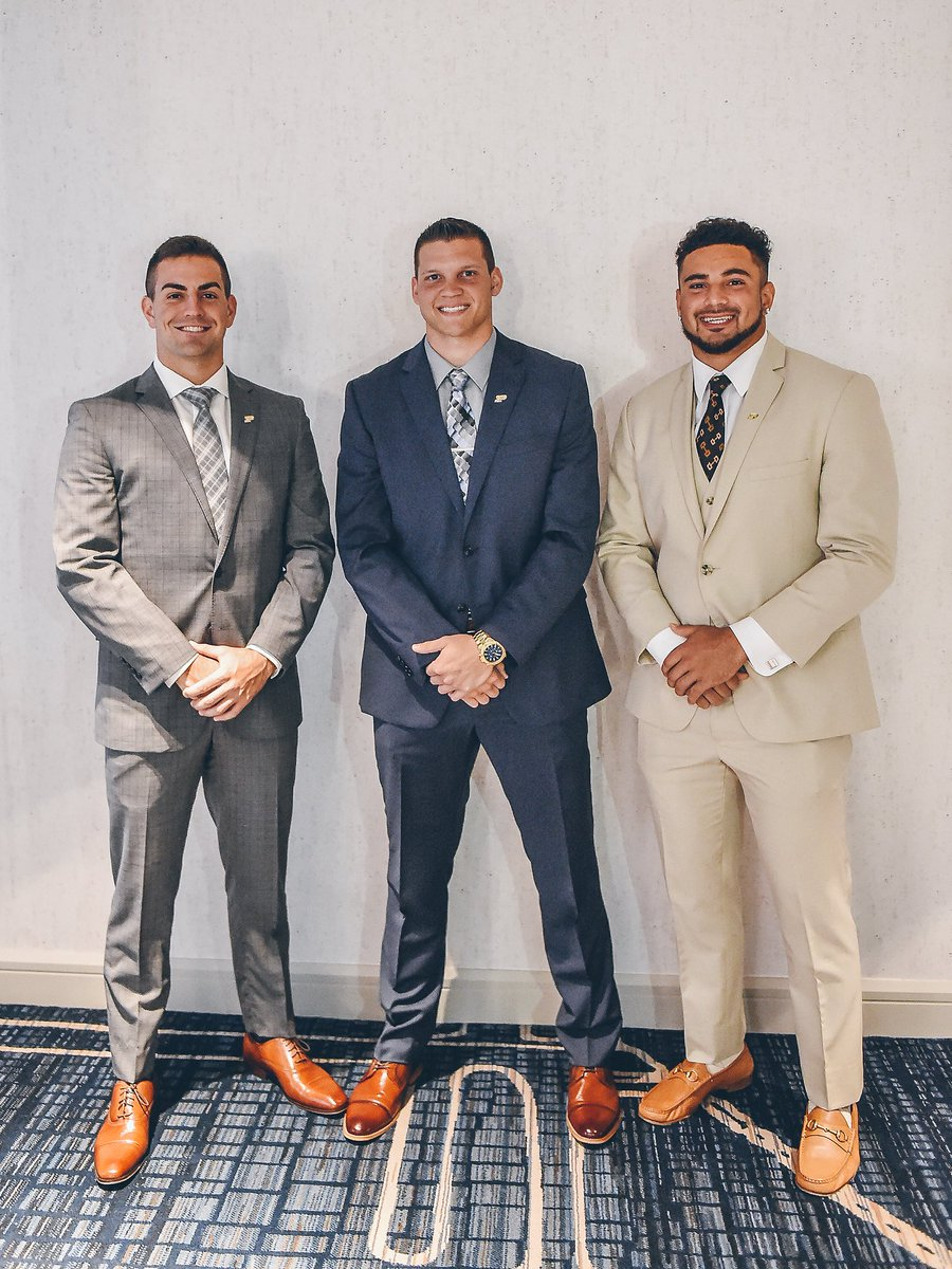 Had an outstanding time in Chicago representing Purdue! Excited to get things rolling come next week! #B1GMediaDay #LetsPlayFootball<br>http://pic.twitter.com/All1SiLUPX