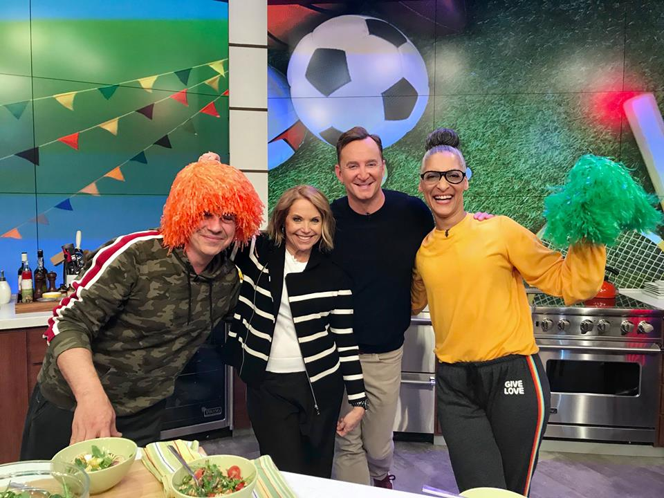 #FlashbackFriday to Field Day at #TheChew! Delicious recipes and a visit from @KatieCouric – dont miss an hour of fun starting at 1e 12c p.