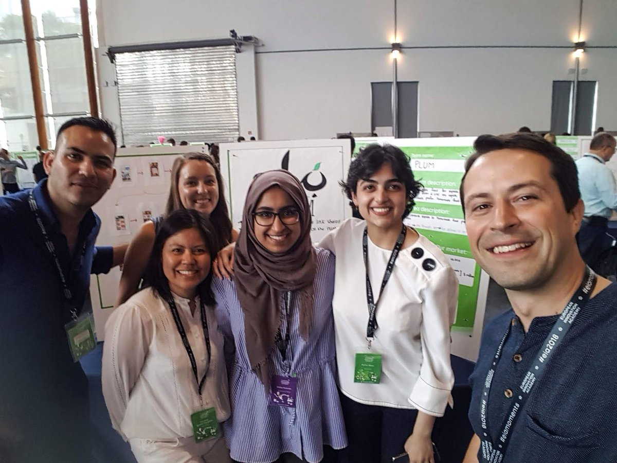 Team @PlumQatar, who connect students looking for healthy and authentic national meals with those who love making them, with the Chilltime CEO @EIAinnovate, an event filled with talented students from all around the world! #PlumQatar #innovationacademy https://t.co/v1oIKcjkMp https://t.co/TP5OGInwYq