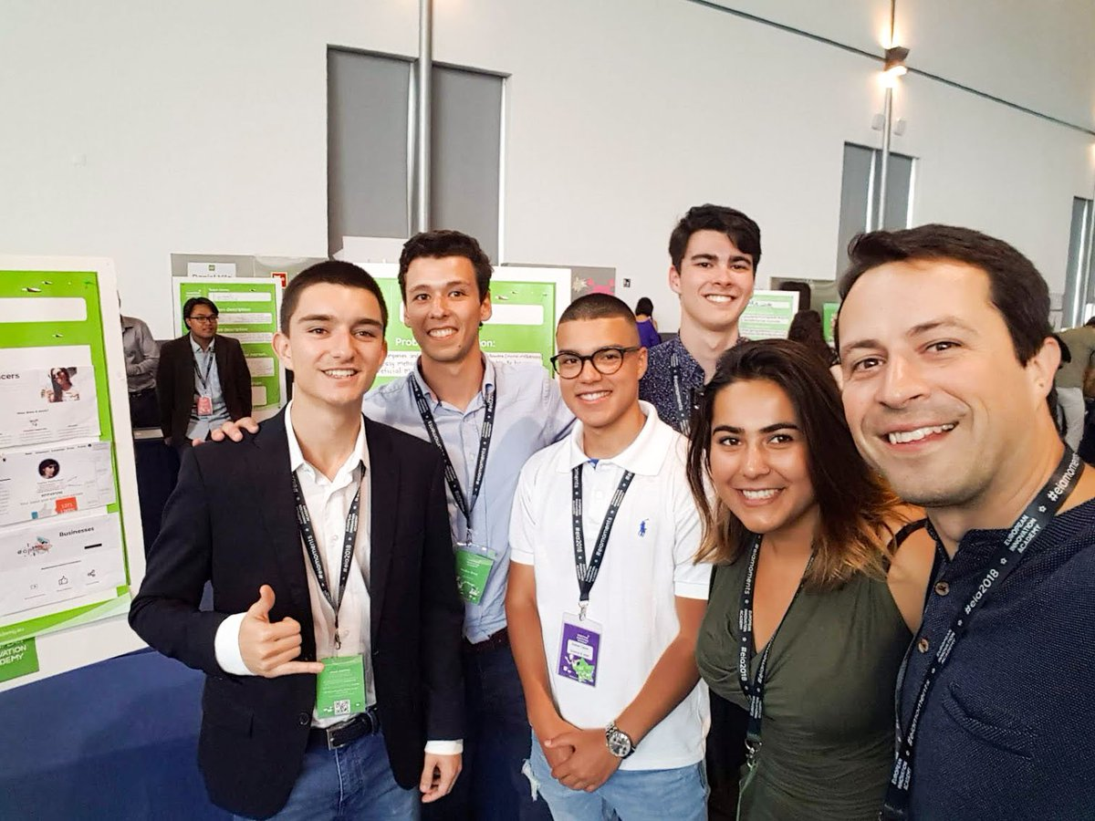 Team Coupown, who have created a platform for users to share a personal coupon code for a brand's website and earn points that can be exchanged for great products, with the Chilltime CEO who was their Chief Mentor @EIAinnovate, an event filled with talented students! #EIAinnovate https://t.co/vN767CdeXq