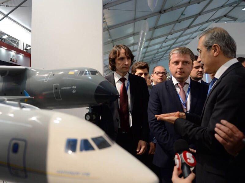 مفاوضات بين تركيا واوكرانيا من اجل انتاج مشترك لطائرة النقل العسكري Antonov An-188 الجديده  DjIyswqX4AAo5RM