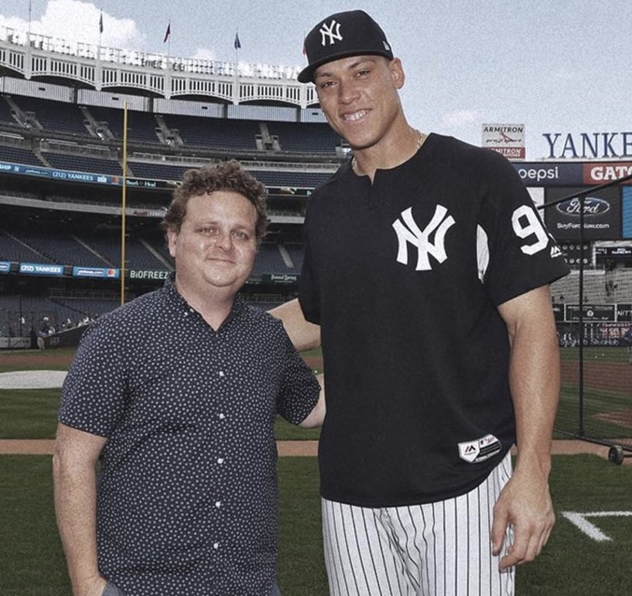 One of the greatest home run hitters and Aaron Judge https://t.co/HdPe9QrZaP
