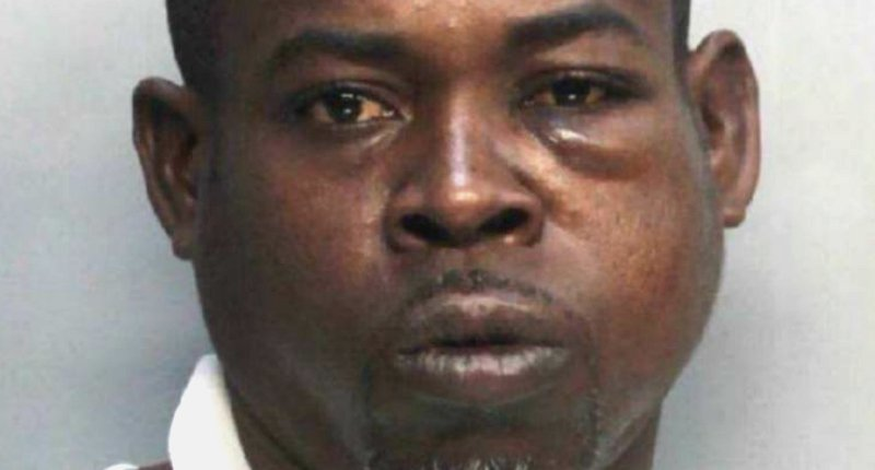 "... ""Do your fucking job."" https://www.rawstory.com/2018/07/florida-cops -beat-arrest-black-man-just-telling-jobs-lawsuit/amp/  …pic.twitter.com/UGHzI3GiDJ"