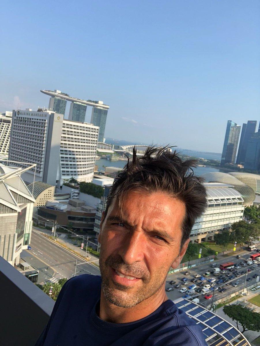 Selfie prematch 🤳 #PSGAsiaTour #ICC2018