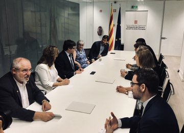 Puigdemont llega a Bélgica aclamado por Torra y los 'exconsellers DjLaJpyX4AAyl3k?format=jpg&name=360x360