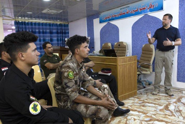 جهود التحالف الدولي لتدريب وتاهيل وحدات الجيش العراقي .......متجدد - صفحة 3 DjMQ73YXsAA3-EY