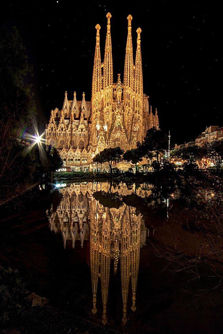 ¿Tienes 3 días libres para viajar? 😃 ¡Te proponemos un plan! 👏 Con nuestra guía de #Barcelona recorrerás todos los secretos de una ciudad única en el #Mediterráneo ➡ https://t.co/tr8Royh1c3 @AccorHotelsES https://t.co/QocXrCXVgk