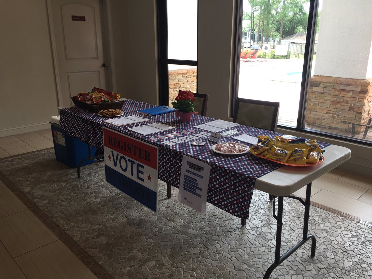 Mary At The Sun Lake Apartments Club House From 1 4pm Last Weekend To Register Vote In Primary Florida Pick Up A Mail Ballot Request