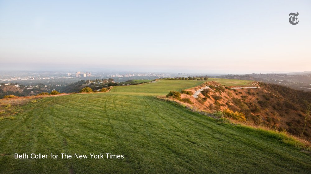 Would you pay $1 billion for this view? And the 157 acres of land that come with it? https://t.co/s4JTHWNmoG https://t.co/q5CzUU0xDS