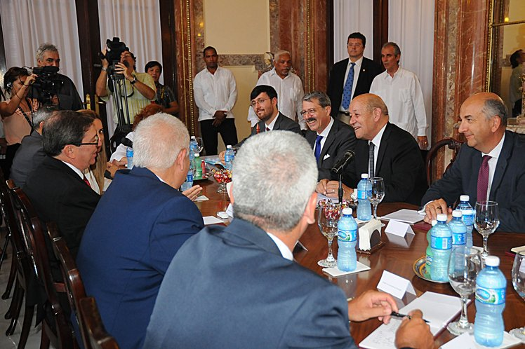 Canciller de Francia se reunión con su homólogo cubano