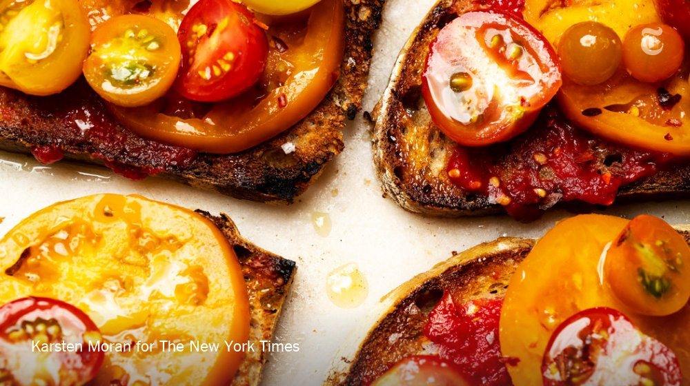 For a delicious way to eat summer tomatoes, try this garlicky tomato toast recipe https://t.co/GJpYDMEhcf https://t.co/Jf88OOH7ZU