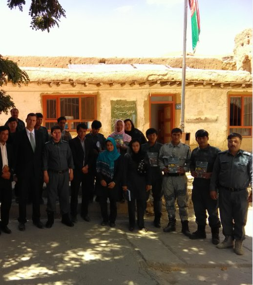 During his visit to #Bamiyan, Ambassador Haßmann met police officers taking part in the @GIZ alphabetization project. A smarter police is a better police. Keep civilians safe.