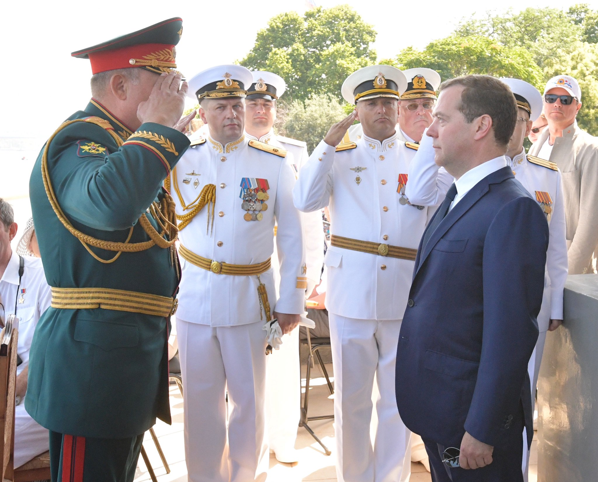 Dmitry Medvedev attended Russia's Navy Day celebrations in #Sevastopol https://t.co/8eLGYT7dEm