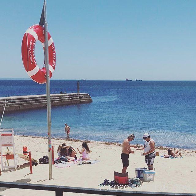 test ツイッターメディア - ビーチの名物、ドーナツ売りおじさん。 #ポルトガル #ビーチ https://t.co/YCbEUeGTdc