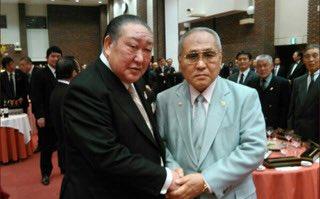 日本ボクシング連盟の山根明会長は日大危機管理学部の特任教授で、田中英寿理事長とも仲良しです。
