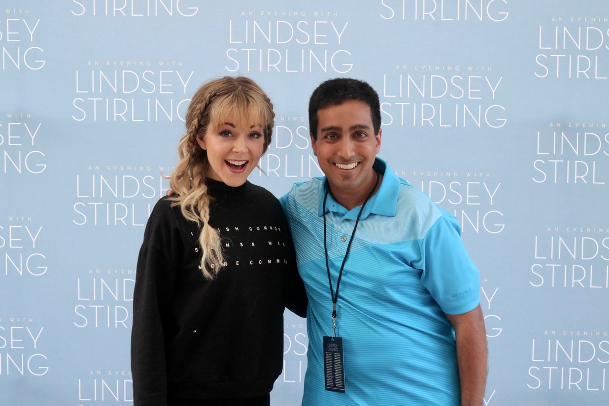 Not everyone gets to meet their favorite artist. Me and @LindseyStirling on Friday! 🧡