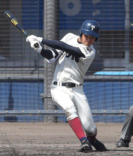 【打者二巡】大阪桐蔭が6回に13得点の大量リード 北大阪大会決勝https://t.co/kBUrRTb8zS圧倒的な攻撃力を示す打線で、11打者連続安打を含む13安打13得点。6回終了時点で23-2とリードを広げた。