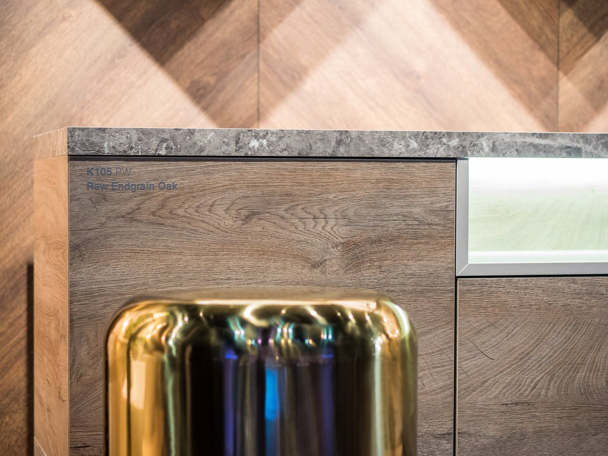 Create an inspirational home #interior with our extensive range of #Melamine-faced boards and some gold finishing touches for a wonderfully sophisticated room scheme.  #Kronospan #Kronodesign #Trends1819 #MFPB #RawEndgrainOak #ContempoCollection #ExpressiveDesign #Design https://t.co/48ZF17JG8p