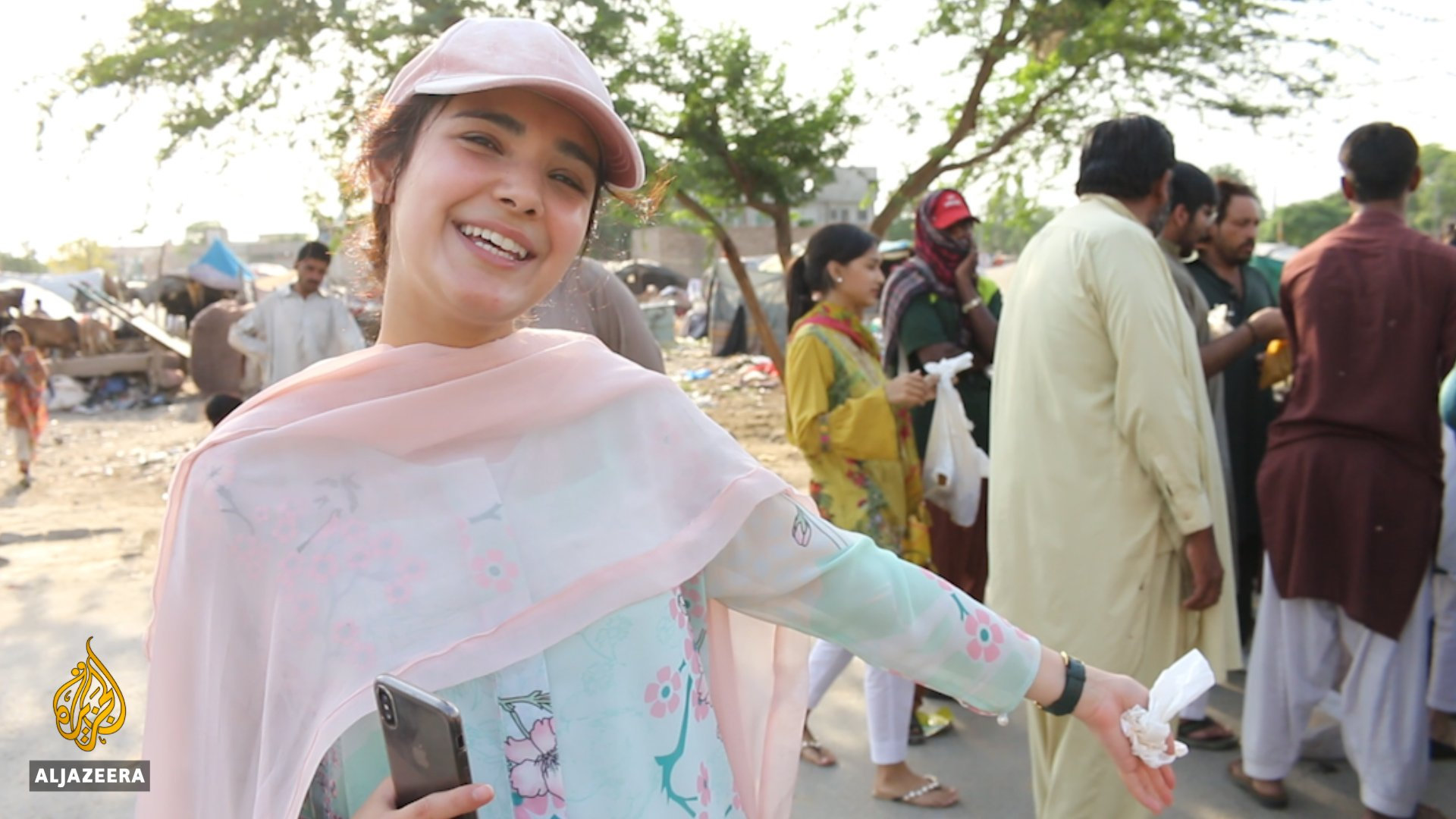 In Pakistan, tonnes of food goes to waste every year. But this woman wants to change that. https://t.co/B9ldSZq6Kc