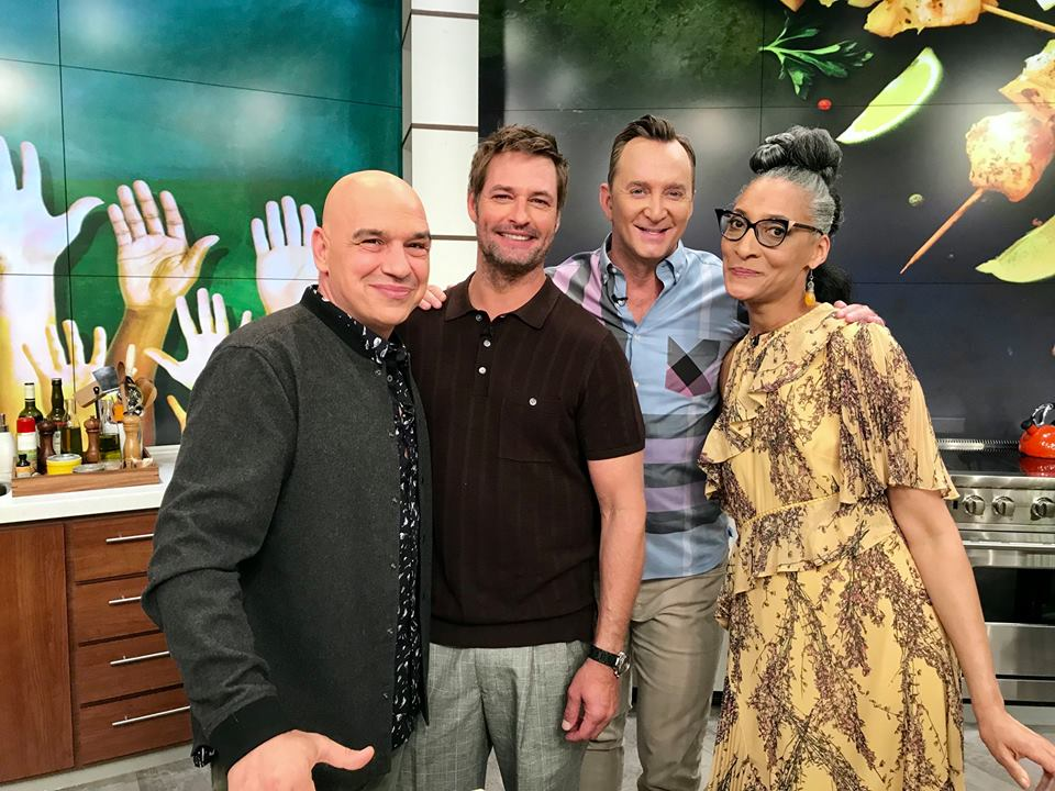 Today were flashing back to our Viewers Choice Extravaganza! Tune in to see @JoshHolloway heat things up in the kitchen, Clinton make some DELICIOUS Queso-Stuffed Monkey Bread, and Carla create a tasty back-to-school snack! #TheChew