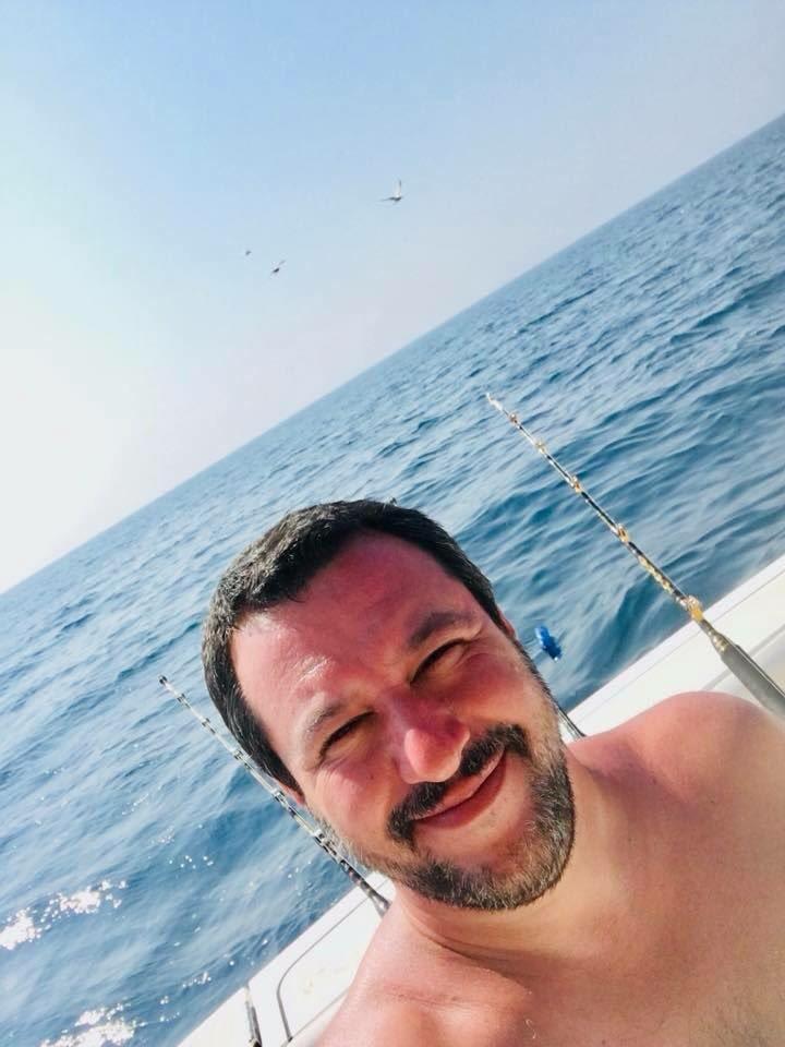 Mare, sole, silenzio, amici, due birre, natura e qualche ora di relax. Evviva la pesca in Romagna! Baci a Maiorca😁