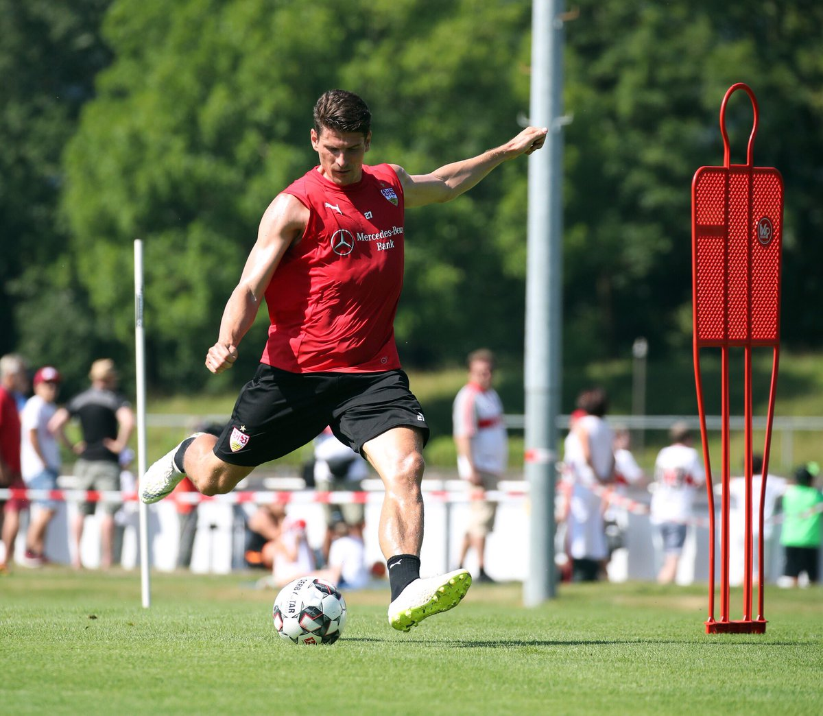 Let's go!! #training #happy #0711 #vfb https://t.co/axcrwj5iO0
