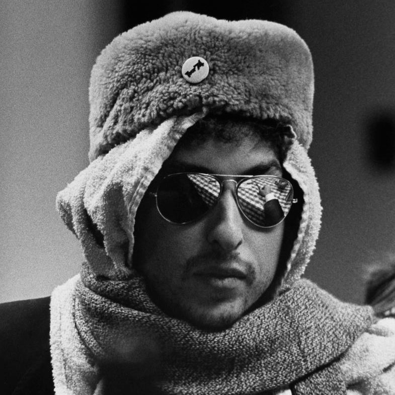 b4ab6e54c67 Sometimes you just have to bite your upper lip and put sunglasses on • •  Bob Dylan • • 1974 • • © Barry Feinstein •pic.twitter.com kCZ16sB6XJ