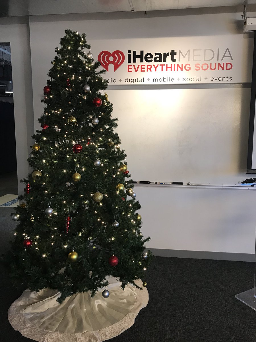 Iheartradio Christmas.Mick Lee On Twitter Apparently It S Christmas In July Here