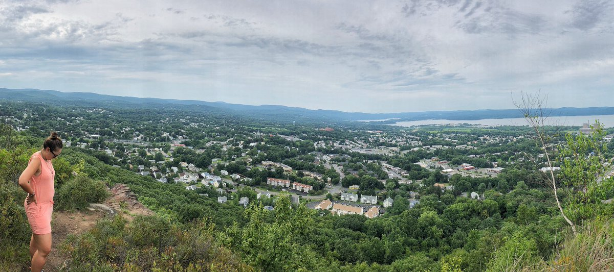 The view of #norock from the #tor   @vcornettepic.twitter.com/C9PVS4NmVm