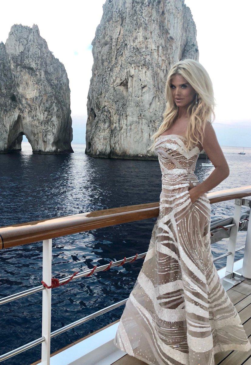 Capri Cavanni Nude Photos 25