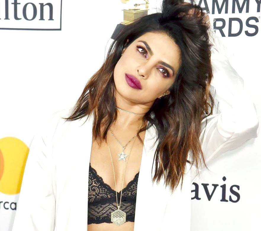 a8d1c19bd70e71 priyankachopra shows how to wear a crop top and not show your belly button  in eight stylish looks https   goo.gl TVUx8h pic.twitter.com HND1dmoZKm