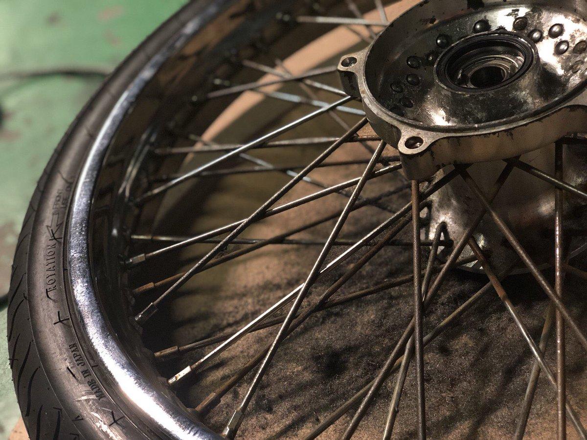 スポーク 磨き バイク 錆びたバイクを復活させよう! セルフメンテナンスでできるサビ取り方法を徹底解説!